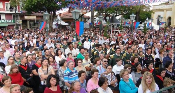 Festa de Agosto resgatou tradições e atraiu milhares de pessoas