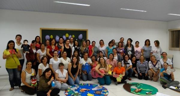 Professoras das creches municipais participam de oficina de musicalização
