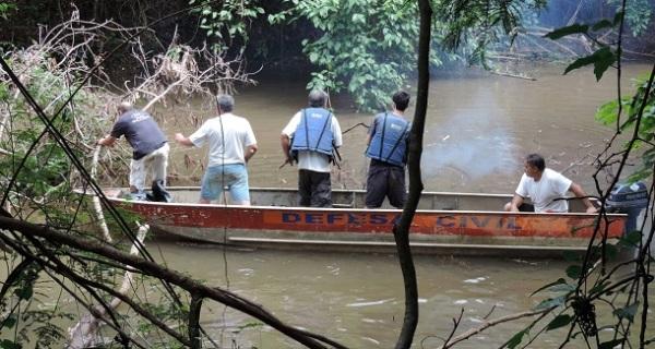 Em parceria com a Prefeitura, Projeto Piracema realiza limpeza do Rio do Peixe