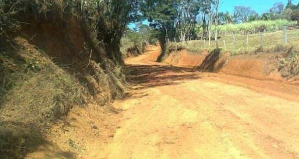 Departamento Municipal de Estradas Rurais segue atendendo as necessidades dos bairros