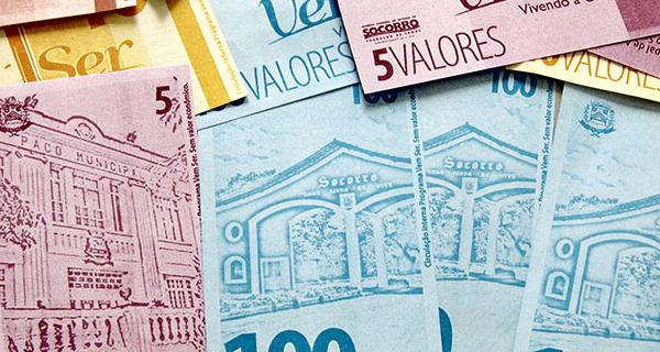 Projeto Moeda Social promove educação financeira e valores morais para adolescentes e crianças