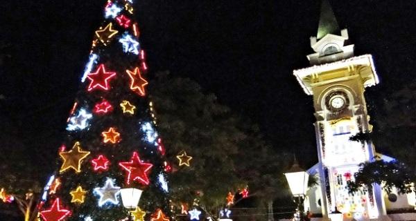Grande público e variedade de atrações marcam inauguração do Socorro Luzes de Natal