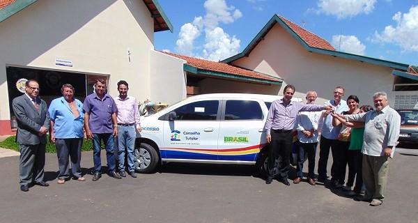 Conselho Tutelar recebe carro novo e equipamentos