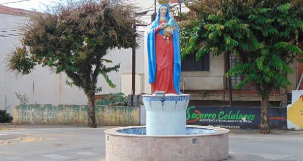 Estátua de Nossa Senhora voltou após restauração e rotatória foi construída no local