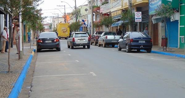 Número de vagas para estacionamento é visivelmente  maior após implantação da Zona Azul