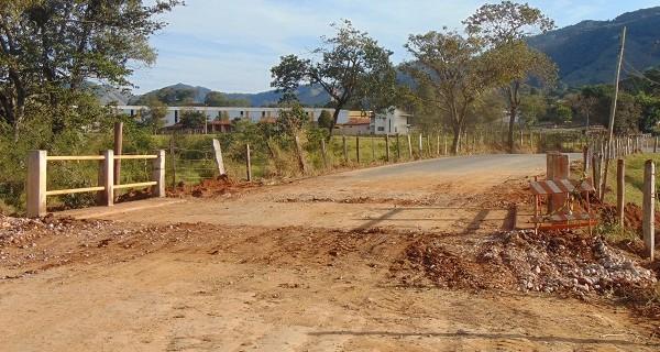 Secretaria de Serviços realiza manutenção no bairro do Oratório