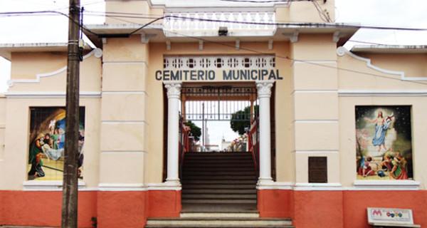 Proprietários de túmulos do Cemitério Municipal têm até novembro para efetuar recadastramento