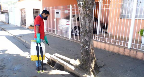 Prefeitura inicia dedetização de bueiros e espaços públicos