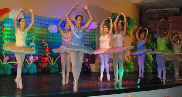 Escola Municipal de Dança apresenta espetáculo Floresta Encantada