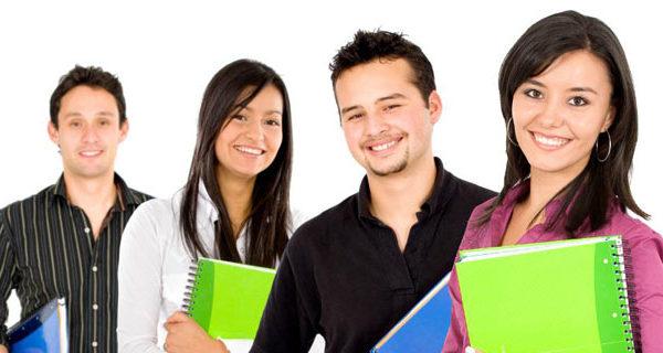 Prefeitura de Socorro concede bolsas de estudo a universitários