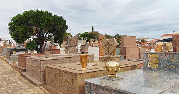 Proprietários de jazigos devem colaborar com a conservação do Cemitério