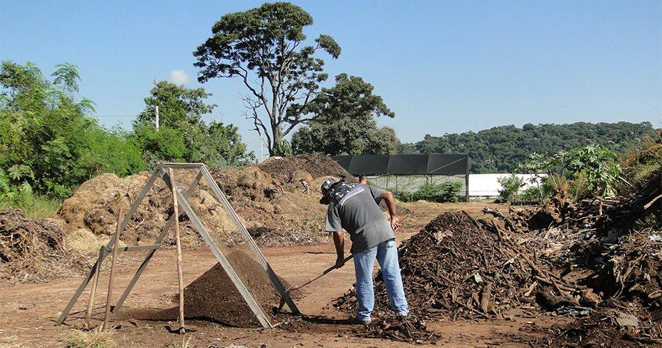 Complexo Ambiental produziu e doou 3 toneladas de composto orgânico, desde janeiro