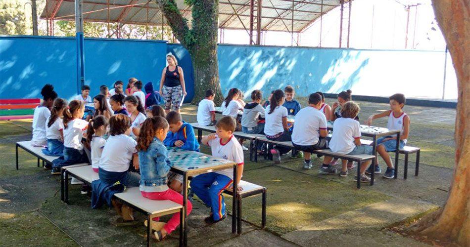 Secretaria de Educação organiza amistosos de preparação para o Festival de Damas