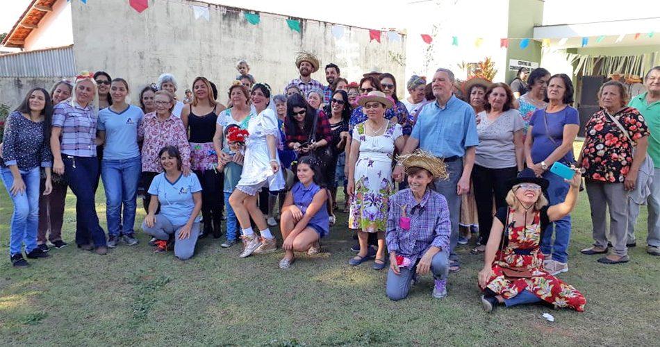 Centro Dia do Idoso realiza arraial com frequentadores e familiares