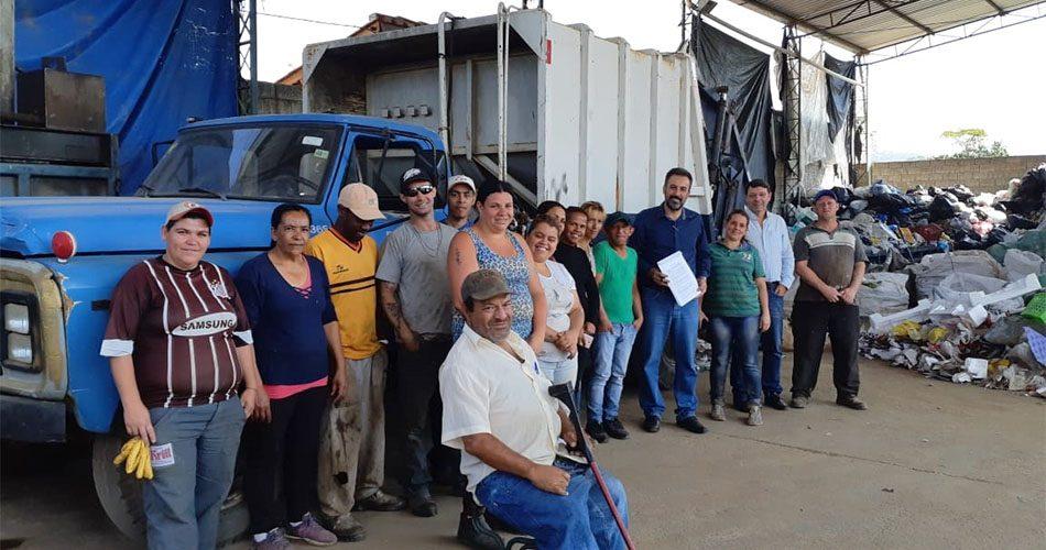 Prefeitura assina termo de colaboração junto à cooperativa de reciclagem