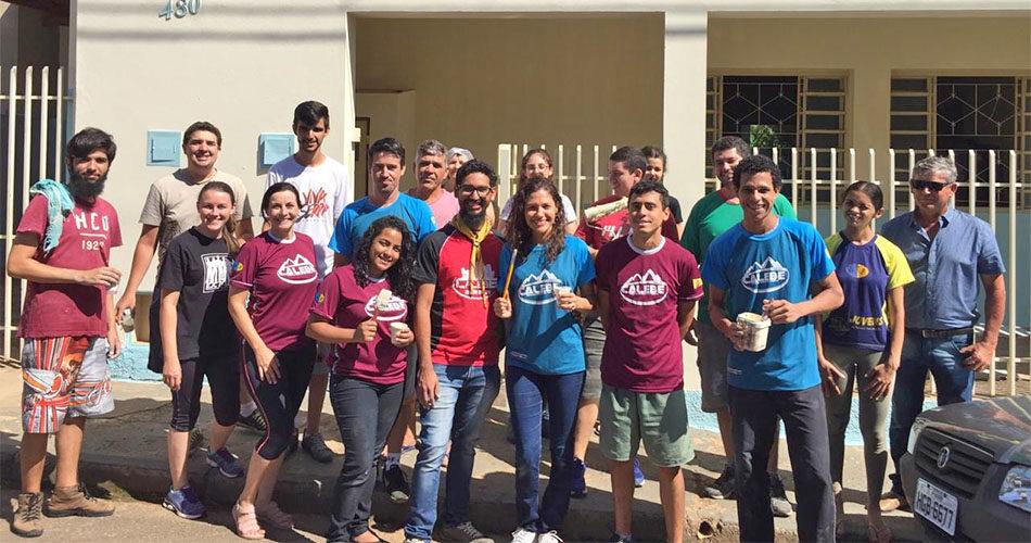 Creche do Jardim Santa Cruz recebe pintura em mutirão comunitário
