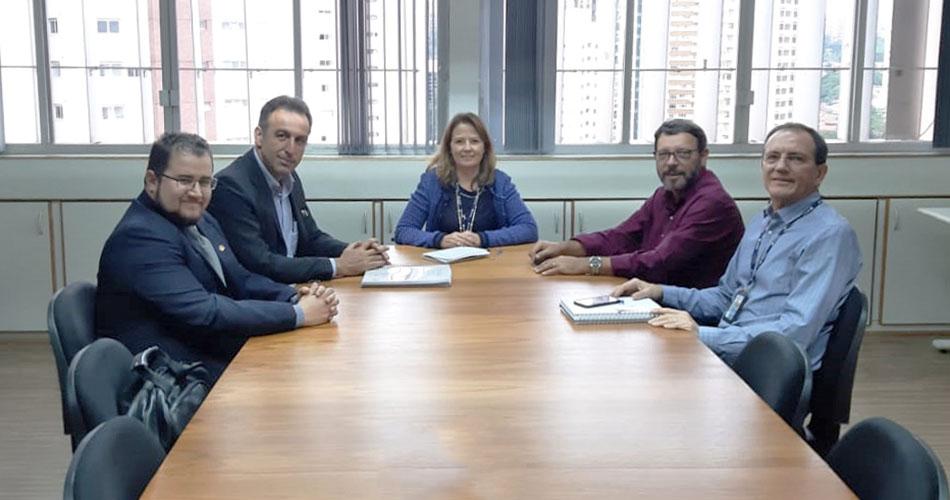Prefeito André Bozola se reune com representantes da CETESB