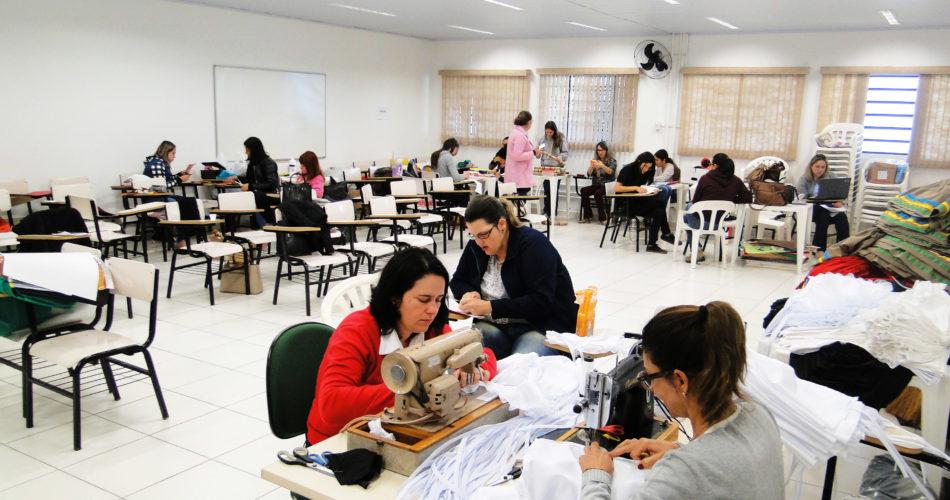 Professoras da Rede Municipal de Ensino Confeccionam fantasias para a comemoração dos 190 anos de Socorro